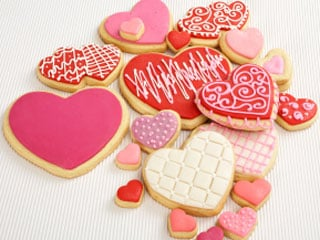 Have fun decorating your cookies with frostings, sprinkles or colored sugars. © istockphoto.com