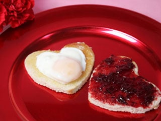 Show some love first thing in the morning with this delicious and creative breakfast.  © istockphoto.com